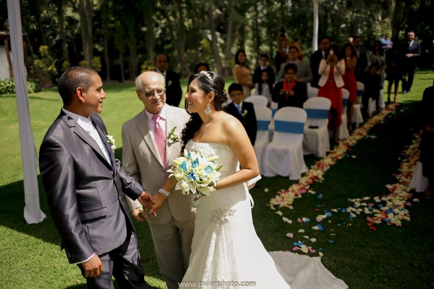 VICKY & GABRIEL FOTOGRAFO DE BODAS QUITO WEDDING PHOTOGRAPHER QUITO BODAS QUITO BODA EN LA LOMITA_-35