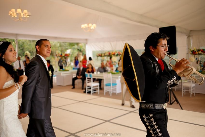 VICKY & GABRIEL FOTOGRAFO DE BODAS QUITO WEDDING PHOTOGRAPHER QUITO BODAS QUITO BODA EN LA LOMITA_-85