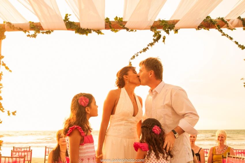 BODAS EN PALMAZUL - WEDDING PALMAZUL - PALMAZUL SAN CLEMENTE - PALMAZUL ECUADOR - DESTINATIO WEDDING PALMAZUL - PALERMO FOTOGRAFO PALMAZUL - BODAS EN LA PLAYA-26