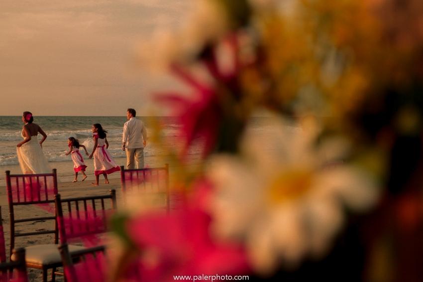 BODAS EN PALMAZUL - WEDDING PALMAZUL - PALMAZUL SAN CLEMENTE - PALMAZUL ECUADOR - DESTINATIO WEDDING PALMAZUL - PALERMO FOTOGRAFO PALMAZUL - BODAS EN LA PLAYA-30