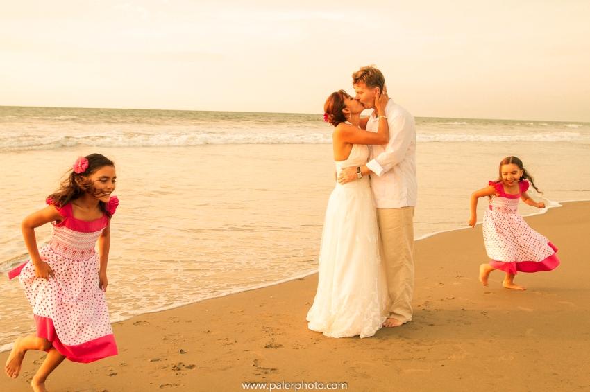 BODAS EN PALMAZUL - WEDDING PALMAZUL - PALMAZUL SAN CLEMENTE - PALMAZUL ECUADOR - DESTINATIO WEDDING PALMAZUL - PALERMO FOTOGRAFO PALMAZUL - BODAS EN LA PLAYA-31